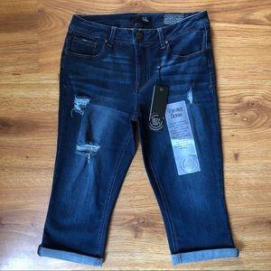 1822 Denim Distressed Stretch Cuffed Capri Jeans